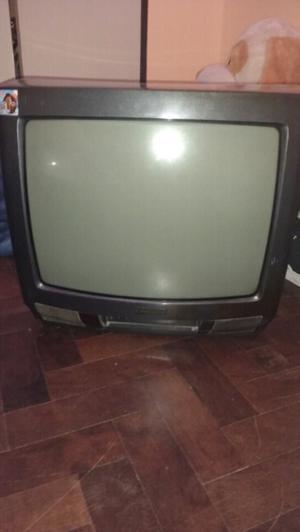 Televisor Daenyx sin control, en perfecto estado