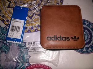 Billetera adidas nueva