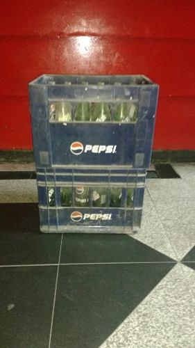 Cajones De Gaseosa Con Botellas De Vidrio350 Pepsi 7up