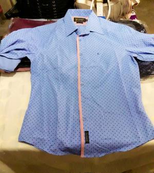 Hermosa camisa nueva