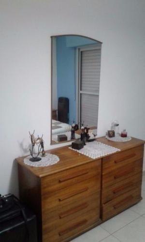 Juego de dormitorio cama dos plazas, colchón, cómoda y 2