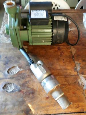 Vendo o permuto bomba centrífuga y inyector sin uso
