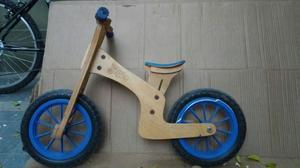 bicicleta de inicio sin pedales marca Gio