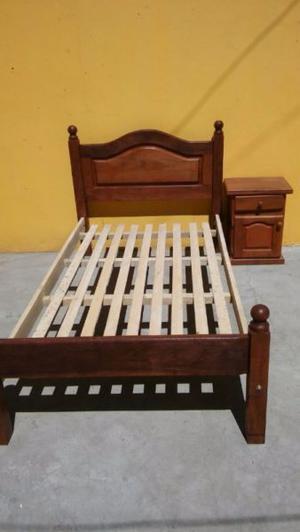 cama y mesa de luz de algarrobo