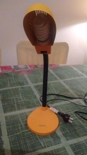 lampara orientable de mesa o escritorio