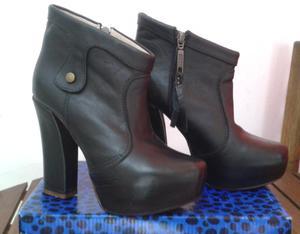 Botas de cuero negras 36