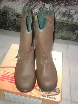 Líquido botas de trabajo Boris número 43, sin uso