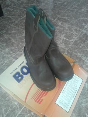 Líquido botas de trabajo Boris número 45, sin uso