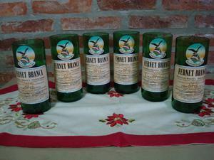Vasos sustentables de botellas