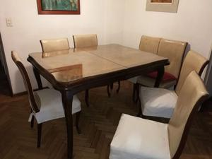 Juego de comedor Luis XV. Mesa con 2 extensiónes y 8 sillas