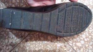Zapatos de charol color negro