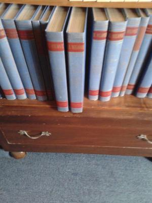 libros de arte y enciclopedias antiguas
