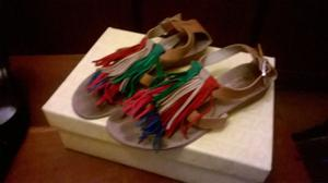vendo sandalias chatitas con Flecos