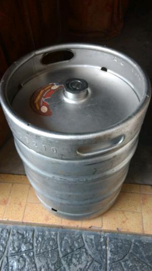 Barril de cerveza vacío