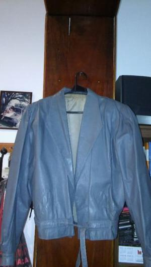 CAMPERA CUERO IMPECABLE VENDO URGENTE