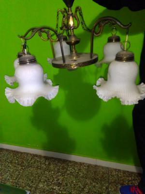 Vendo lámpara de bronce,5 tulipas
