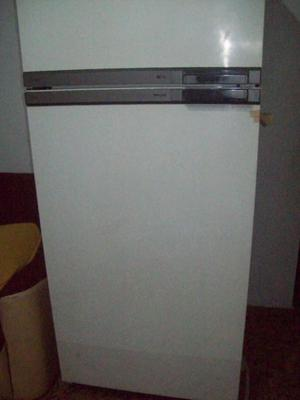 HELADERA CON FREEZER PHILIPS TROPICAL 360 lts