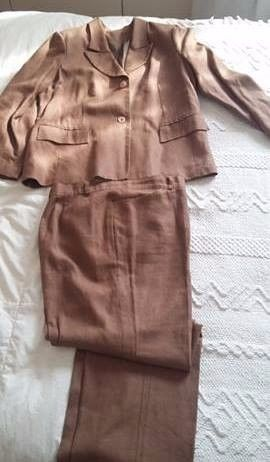 Traje de lino color chocolate T: 46