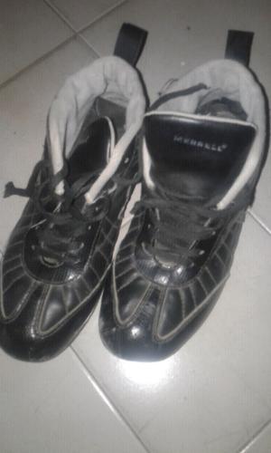 Zapatillas deportivas usadas