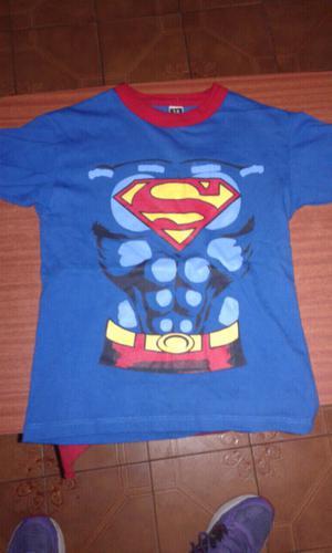 Remera de Super Man con capa