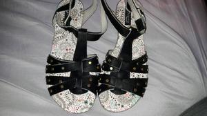 sandalias con tachas