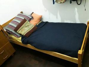 Vendo cama con colchon + mesa para planchar, exelente