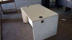 escritorio enchapado blanco y silla
