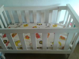 Cuna de bebe usada