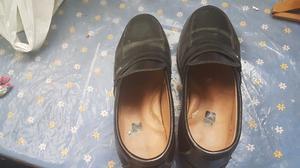 Zapatos Kyc Negros Con Hebilla En Buen Estado!