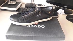 Vendo zapatillas NUEVAS BANDO Talle 43