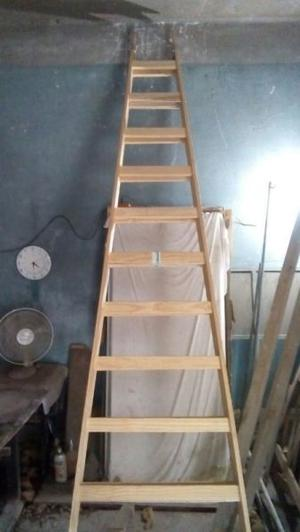Vendo escalera de pintor madera muy fuerte estado posot for Escaleras pintor precios