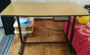 escritorio enchapado en madera para oficinas