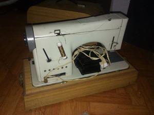Maquina de cocer necchi lycia mark | Posot Class