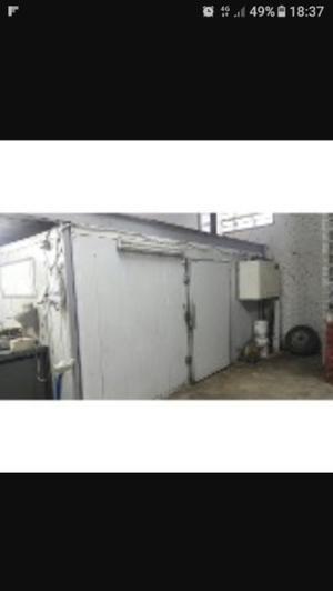 Cámara frigorífica con motor
