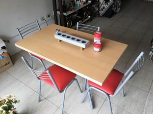 Juego de mesa (mesa + 4 sillas)