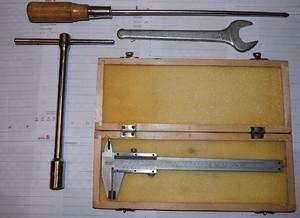 Lote de herramientas varias, casi nuevas, liquido...