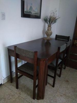 Mesa de comedor o sala de estar