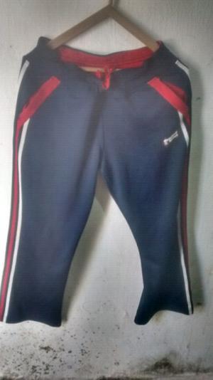 Pantalon adidas modelo original talle M amplío