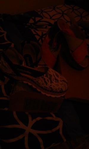 vendo sandalitas nenas