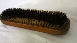 Antiguo Cepillo para ropa usado, robusto mango de madera