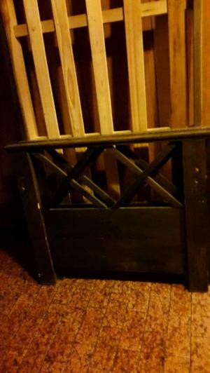 Cama de madera dura usada