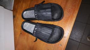 Hermosas sandalias con flecos