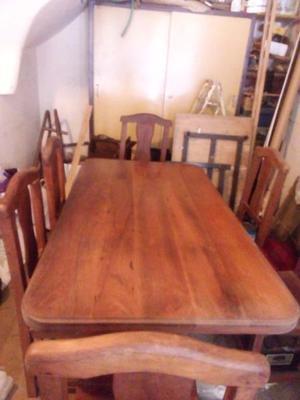Liquido juego de mesa con vidrio y 6 sillas todo de