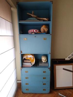 Mueble modular con bar, vajillero y biblioteca