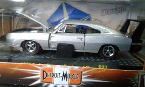 Dodge charger daytona 69 escala 1:64 M2