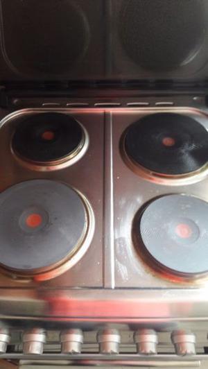Liquidooo cocina electrica Domec en exelente estado