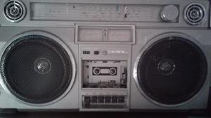 Radio antigua excelente estado y buen precio