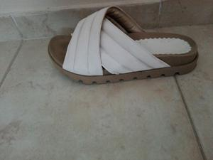 Sandalias número 36 un uso