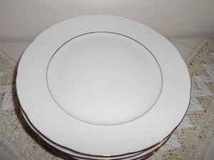 Set de 6 platos nuevos de porcelana checa