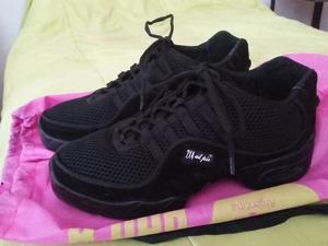 Zapatillas de danza 2x4 al pie nuevas